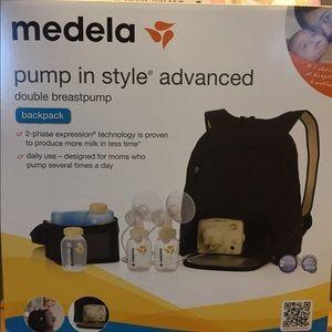 BEAND NEW Medela Breast pump